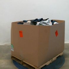 Pallet – 569 Pcs – Shirts & Blouses, Jeans, Pants, Legging & Shorts, T-Shirts, Polos, Sweaters & Cardigans, Unsorted – Customer Returns – Bandolino, Mote, GREEN TEA, Tangerine