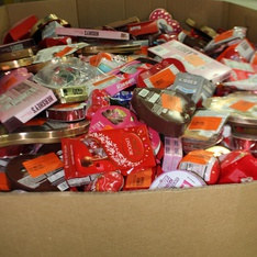 Pallet - 1618 Pcs - Gourmet Grocery, Pantry - Customer Returns - Hershey's, Dove, Galerie, Russell Stover