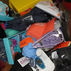 Clearance! Pallet - 580 Pcs - Backpacks, Bags, Wallets & Accessories, Unsorted, Underwear, Intimates, Sleepwear & Socks, Girls - Customer Returns - Cat & Jack, UNBRANDED, A New Day, St. Patrick's Day