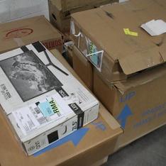 Pallet - 8 Pcs - Monitors - Customer Returns - Onn