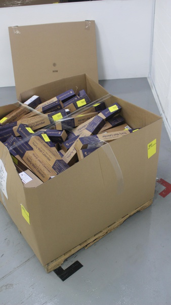 CLEARANCE! 1 Pallets – 807 Pcs – Office Supplies, Calendars – Customer Returns – AT-A-GLANCE, House Of Doolittle, Brownline, Blueline