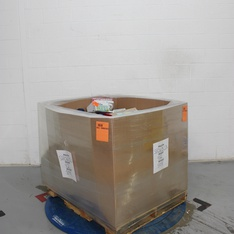 Pallet - 735 Pcs - Office Supplies, Books, Arts & Crafts, Unsorted - Customer Returns - Greenery, Up & Up, UNBRANDED, Dr. Seuss