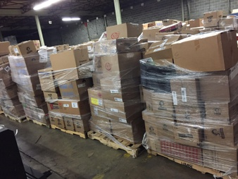Truckload – 26 Pallets – Apparel (Walmart) – Customer Returns