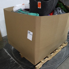 3 Pallets - 1851 Pcs - Decor, Giftwrap & Supplies, Kitchen & Dining, Decorations & Favors - Customer Returns - Cat & Jack, UNBRANDED, American Greetings, Room Essentials