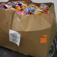Clearance! Pallet - 1993 Pcs - Gourmet Grocery, Pantry, Action Figures - Customer Returns - Cadbury, Reese's, Mars, Brach's