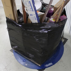 Pallet – 189 Pcs – Accessories, Hardware, Other, Unsorted – Customer Returns – Ferry-Morse, Mapei, Schluter, Linenspa