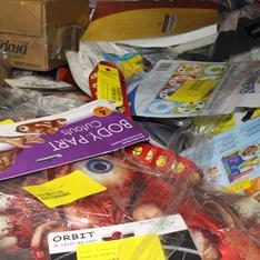 6 Pallets - 3627 Pcs - Books, Decor, Hardware, Kitchen & Dining - Customer Returns - Candellana Candles, Buckle Down, 3dRose, Cybrtrayd
