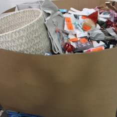 Pallet - 1356 Pcs - Unsorted, Giftwrap & Supplies, Decor, Arts & Crafts - Customer Returns - American Greetings, UNBRANDED, Cat & Jack, MLB