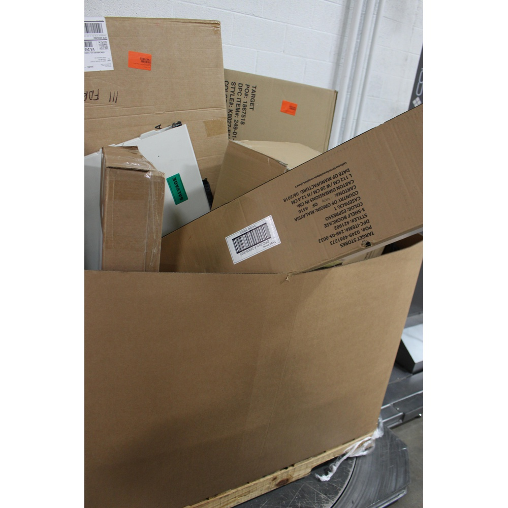 12 Pallets - 96 Pcs - Office, Living Room, Dining Room & Kitchen, Unsorted  - Customer Returns - Room Essentials, threshold, Project 62, Plastic