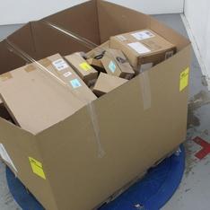 Pallet - 184 Pcs - Decor, Bath - Customer Returns - Candellana Candles, Toland Home Garden, mDesign, MY MAP