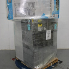 Pallet - 6 Pcs - Refrigerators, Bar Refrigerators & Water Coolers - Customer Returns - Thomson