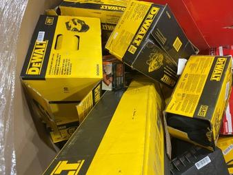 Truckload – Lowe's Power Tools – Customer Returns