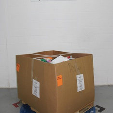 Clearance! Pallet - 1204 Pcs - Decorations & Favors, Giftwrap & Supplies, Costumes, Stationery & Invitations - Customer Returns - spritz, Bullseye's playground, Toysmith, UNBRANDED