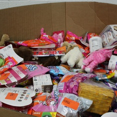 Clearance! Pallet - 1318 Pcs - Gourmet Grocery, Pantry, Home Health Care - Customer Returns - Cadbury, Hershey's, Mars, Reese's