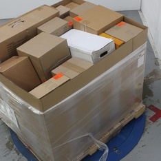 Pallet - 31 Pcs - Decorations & Favors, Costumes - Open Box Like New, New Damaged Box, New, Used, Like New - Wondershop, Philips, Hyde and Eek! Boutique, Creative Converting